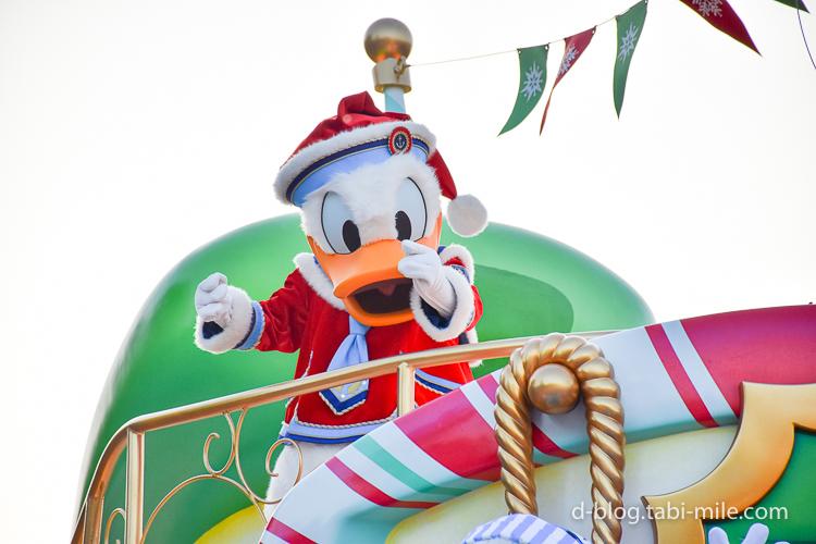 ディズニーランド クリスマスパレード 目の前 ドナルド