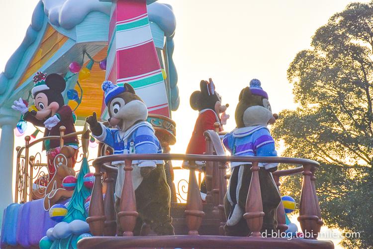 ディズニーランド クリスマスパレード 目の前 チップ
