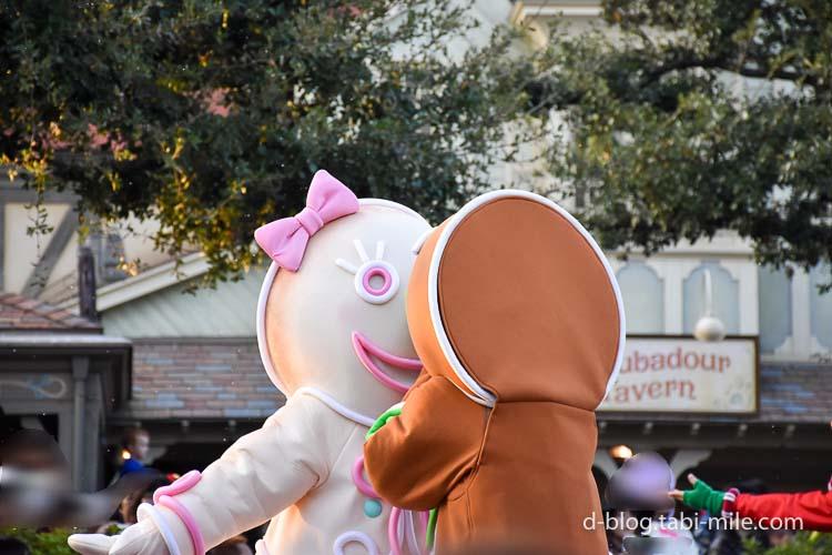 ディズニーランド クリスマスパレード 目の前 クッキーオーナメントキス