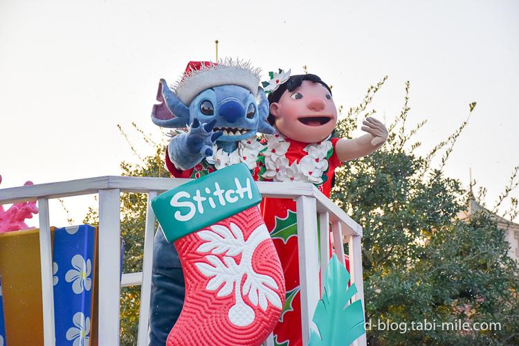 ディズニーランド クリスマスパレード 目の前 リロ スティッチ