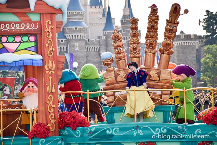 ディズニーランド クリスマスパレード 白雪姫