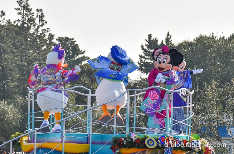 ディズニーランド 正月2017 パレード ドナルド着物青