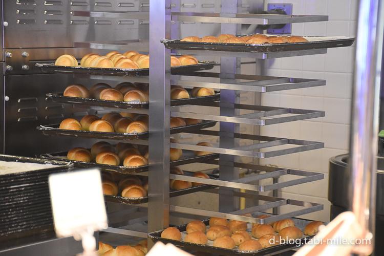 セレブレーションホテル 朝食 パン3