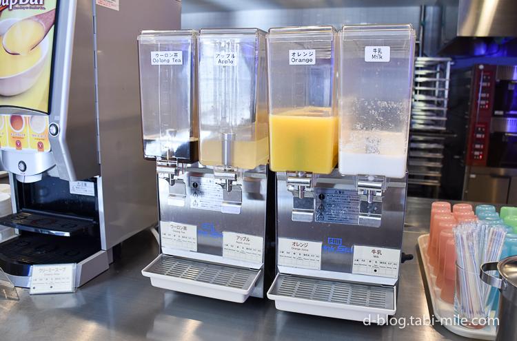 セレブレーションホテル 朝食 牛乳 オレンジジュース