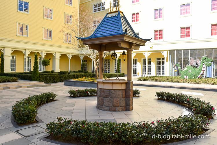 セレブレーションホテル 中庭 井戸