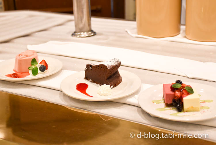 ディズニーランド プラザパビリオンレストラン スイーツ ケーキ