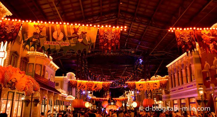 ディズニーランドハロウィン ワールドバザール 装飾夜1